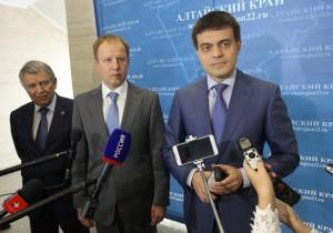 Михаил Котюков положительно оценил научно-исследовательский комплекс Алтайского края