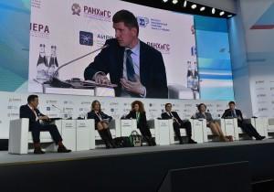 Максим Решетников: Повышение эффективности управления поликлиниками высвободит ресурсы для найма врачей