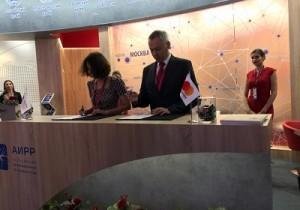 ПМЭФ`2018: Андрей Травников подписал Соглашение о сотрудничестве с ЯНДЕКС
