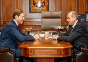 Денис Мантуров провел рабочую встречу с Губернатором Иркутской области Сергеем Левченко